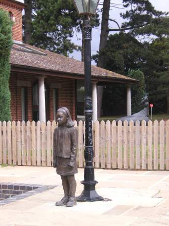 Monument to the Kindertransport